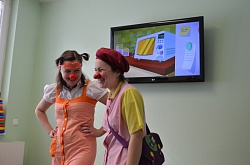 Children were genuinely happy with hospital clowns.